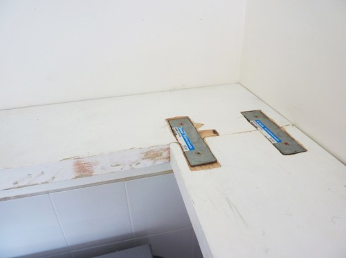 Hướng Dẫn Tự Làm Kệ Bếp Treo Tường Cho Gia Đình Của Bạn
