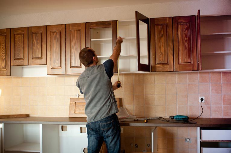 quy trình lắp đặt tủ bếp